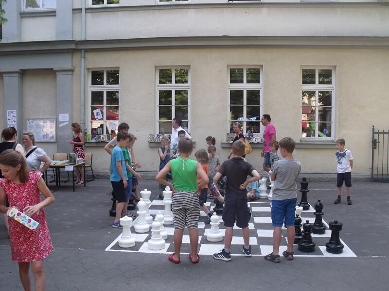 Schach Freizeit Schulhof