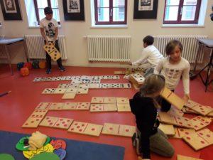 Klasse 3a zur interkulturellen Woche in der Kinder-und Jugendbibliothek 5