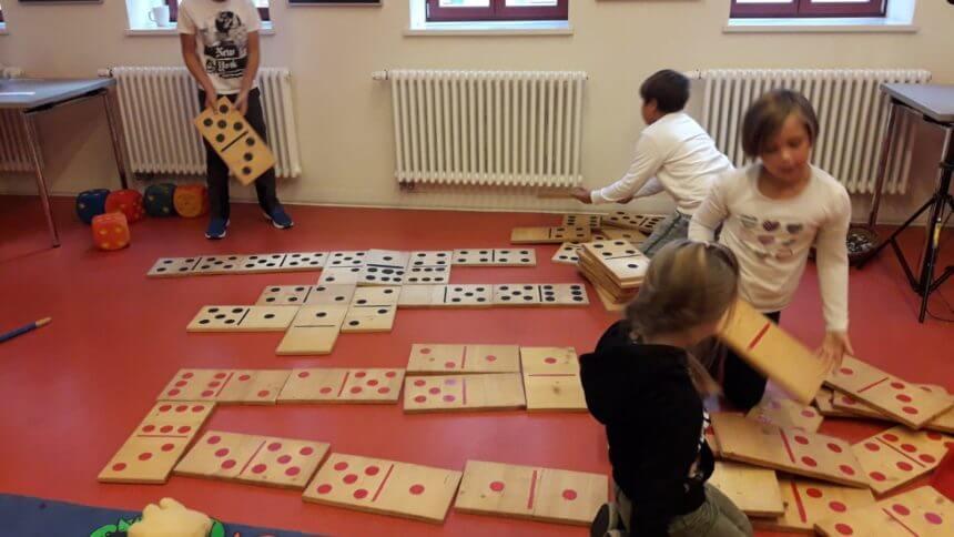 Klasse 3a zur interkulturellen Woche in der Kinder-und Jugendbibliothek