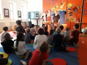 Klasse 3a zur interkulturellen Woche in der Kinder-und Jugendbibliothek 8